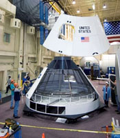 In der Space Vehicle Mockup Facility des JSC